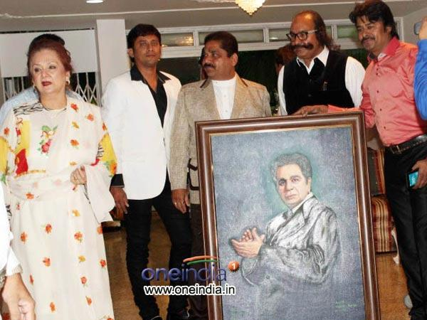 Dilip Kumar Celebrates His 91st Birthday With Friends Doctors