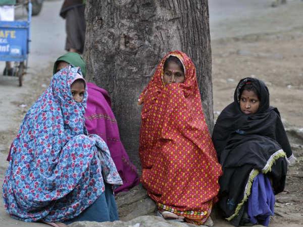 Mercury Dips In Delhi Mount Abu Coldest