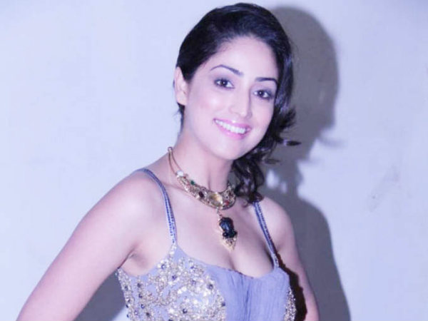 Yami Gautam Excited Action Jakson