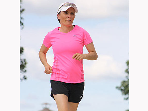 New Zealand Woman Runs 500 Km Without Sleep
