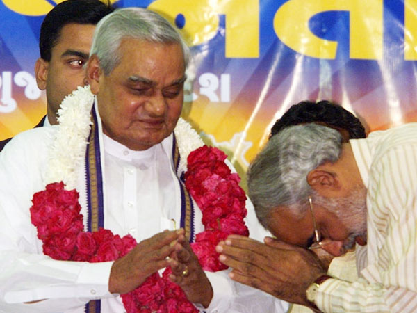 Modi Wishes Atal Bihari Vajpayee On His Birthday