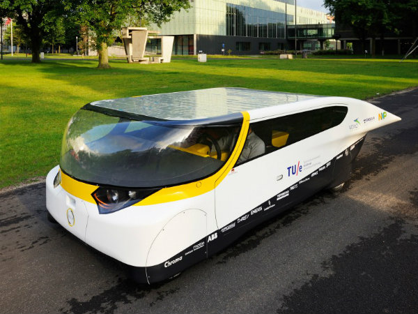 Stella World First Solar Family Car Team Eindhoven