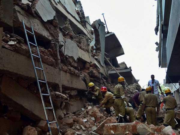 Three Dead As Building Collapses Mumbai
