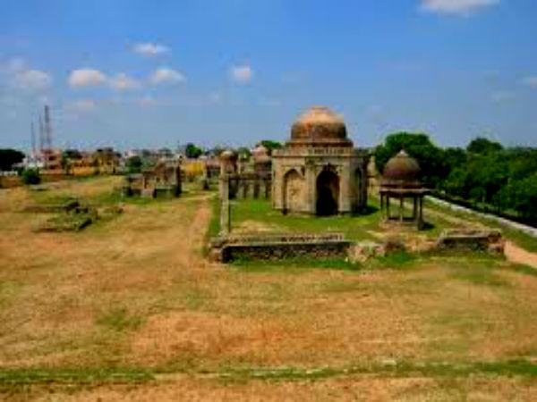 Bua Wala Talab Tombs Which Tell The Love Tale