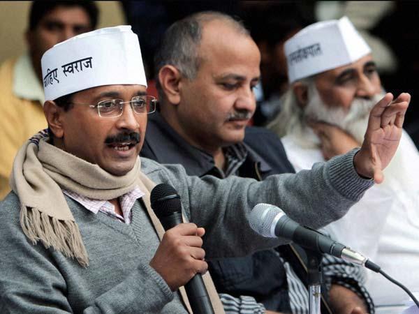 Arvind Kejriwal Suspends 3 Transfers 800 Delhi Jal Board Officials