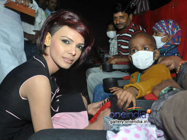 Tisca Sherlyn With Children Suffering From Terminal Cancer