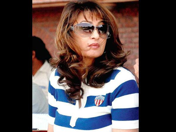 Sunanda Only Had Coconut Water And Smoked Cigarettes In Her Last Days