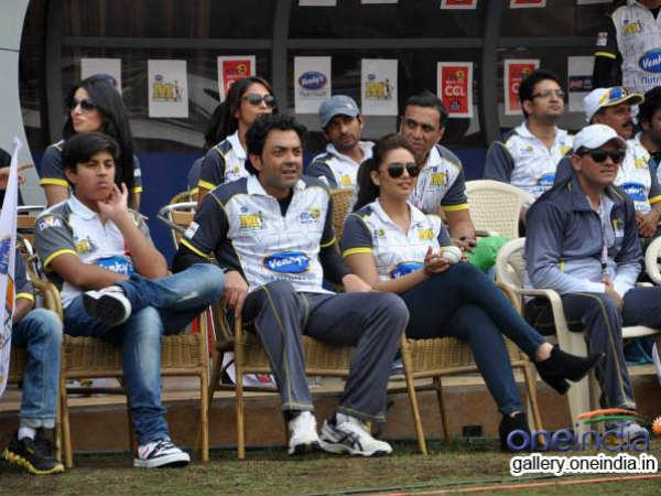 See Here The Pictures Celebrity Cricket League