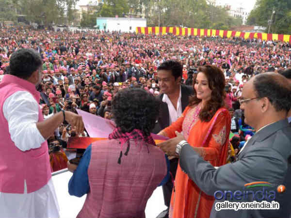 Madhuri Dixit Launches Gulaab Gang Music Amidst Crowds Varanasi
