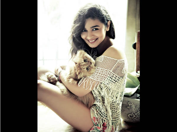 Alia Bhatt Poses With Cat