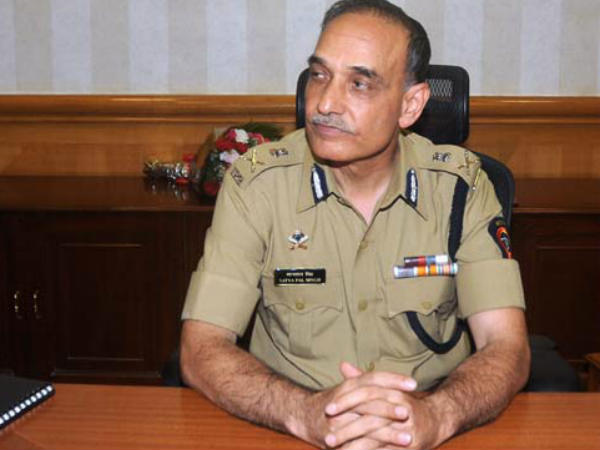 Mumbai Police Chief Satyapal Resigns May Join Bjp To Fight Ls Polls