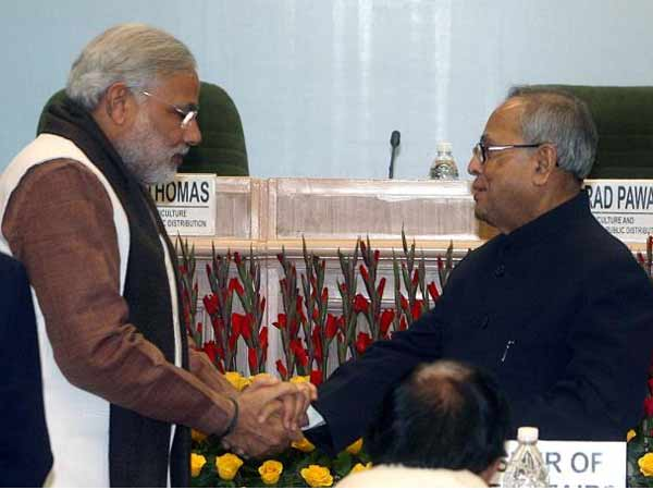 Why Narendra Modi Praised Pranab Mukherjee Kolkata 015858 Lse