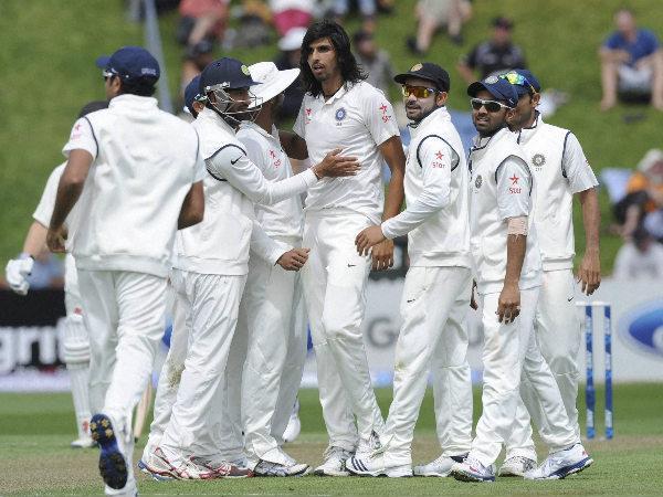 Shameful Ishant Sharma Abuses Zaheer Khan On The Field