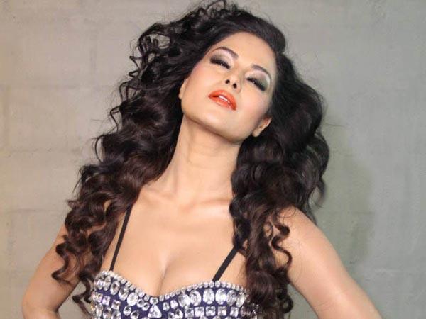 Birthday Girl Veena Malik Queen Controversy Vulgarity