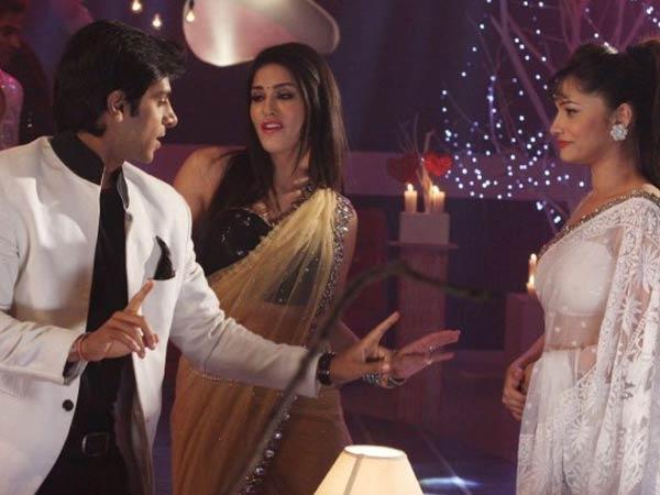 Sunny Leone Promote Her Film Ragini Mms 2 Pavitra Rishta Sets