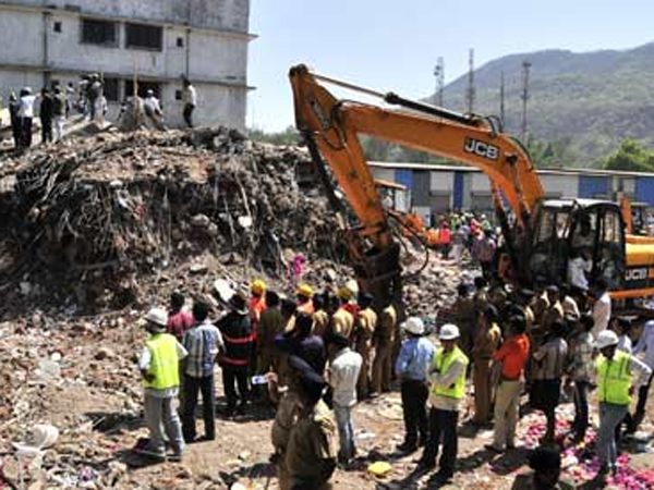 Seven Storey Building Collapses Mumbai Many Feared Trapped
