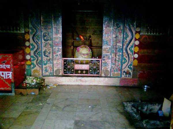 Bijli Mahadev Mandir Unique Shiva Temple