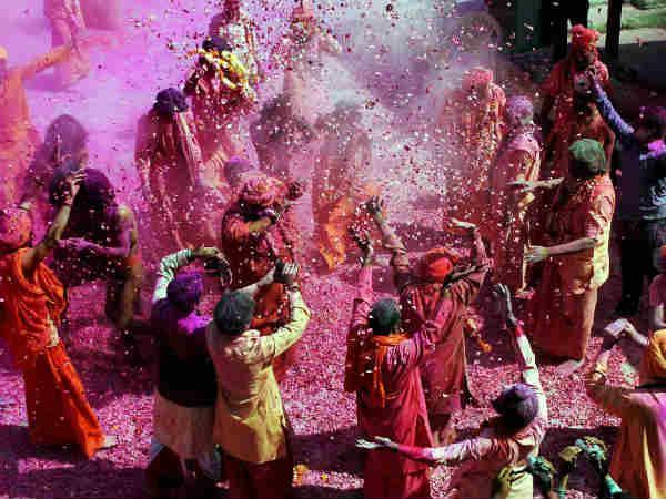 Choose Best Gulal Your Love Luck On Holi Festival