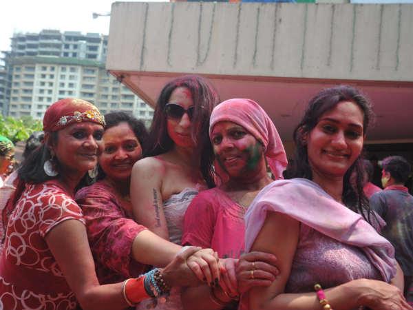 Shanti Dynamite Celebrated Holi At Mig Cricket Club