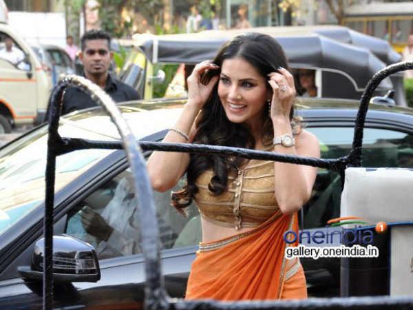 Sunny Loene Ragini Mms 2 Stars At Success Bash