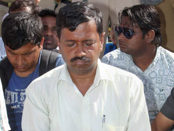 Aap Flooded With Donation Of Rs 85 Lakh After Kejriwal Gets Slapped Lse