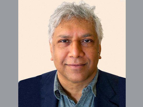 Bangalore Born Poet Wins 2014 Pulitzer Prize