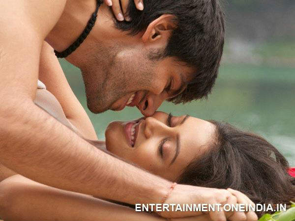 Mishti Kartik Took 33 Retakes A Kissing Scene Kaanchi
