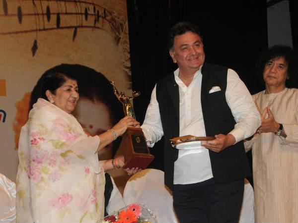 Anna Hazare Rishi Kapoor Get Deenanath Mangeshkar Awards