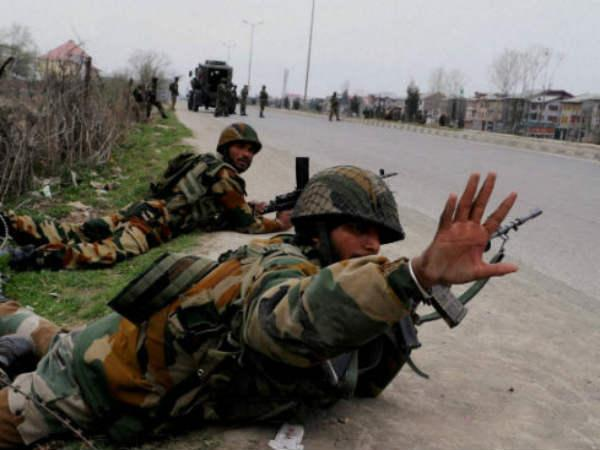 Encounter Continues South Kashmir Are Which Three Soldier Dead