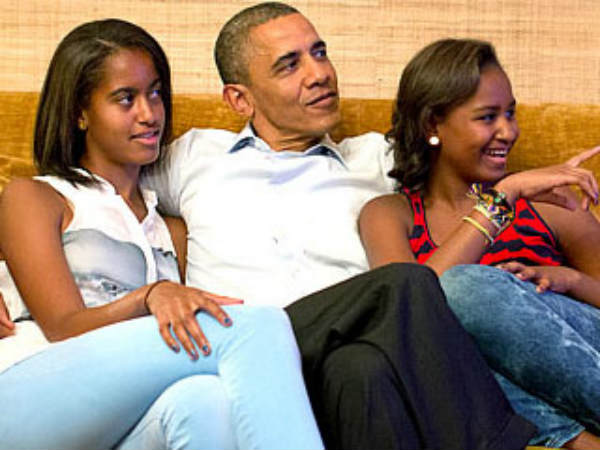 Car Follows Obama S Daughters White House Lockdown