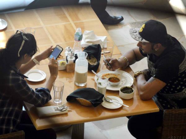 Is Honey Singh Dating Deana Uppal