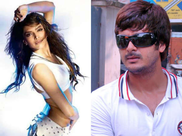 Jisshu Sengupta Romance Deepika On Screen