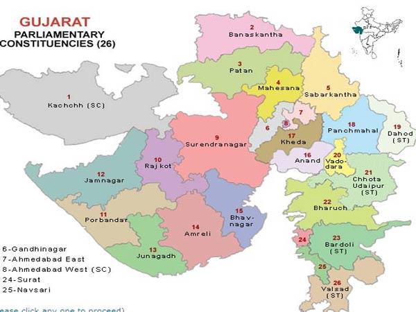 LIVE: ગુજરાતમાં તમામ બેઠકો પર ખીલશે કમળ, મોદી માતાને મળ્યા