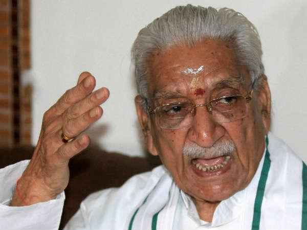 Vhp President Ashok Singhal Demands Bjp S Narendra Modi