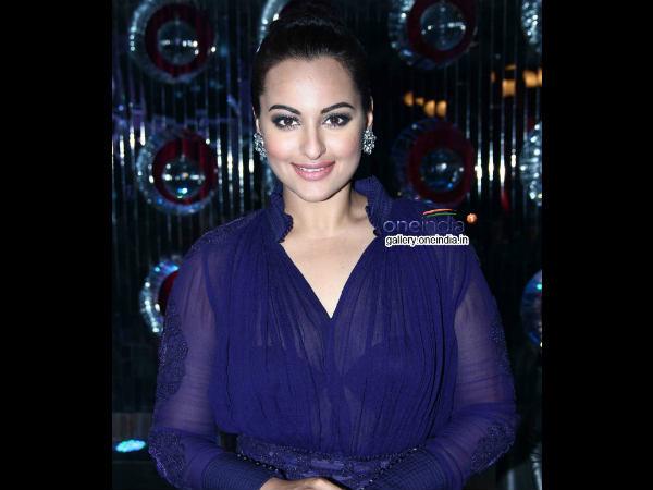 Sonakshi Sinha Weared Transparent Dress Holiday Promotion