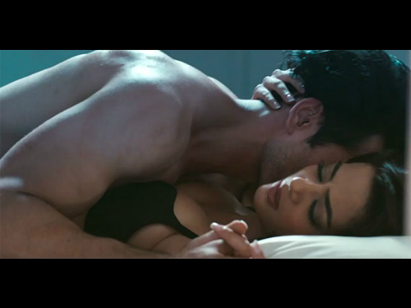 Kissing Scenes Hate Story 2 Leaked On Internet First Look