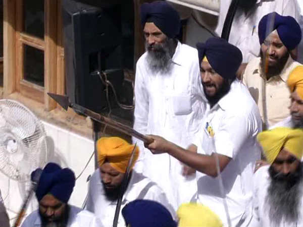 Violent Clashes In Golden Temple Campus On Op Bluestar Anniversary
