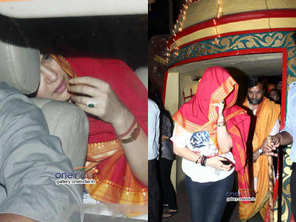 Preity Zinta Snapped At Mukteshwar Temple Juhu