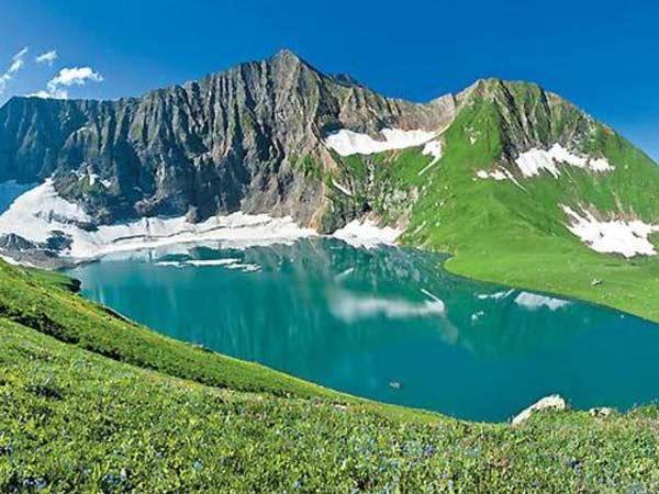 Beautiful Lakes Pakistan