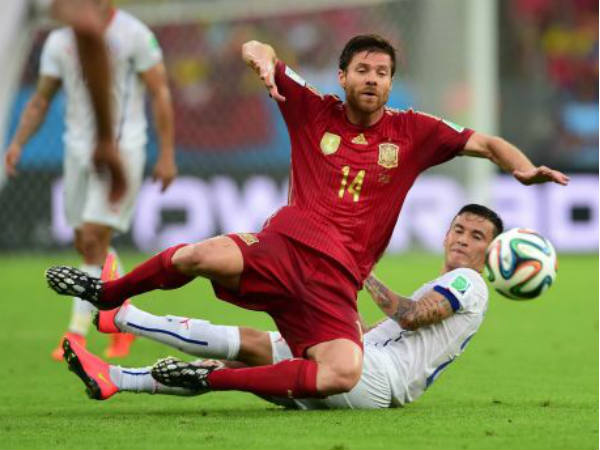 Fifa World Cup 2014 Chiles 2 0 Pasting Sends Mighty Spain Packing