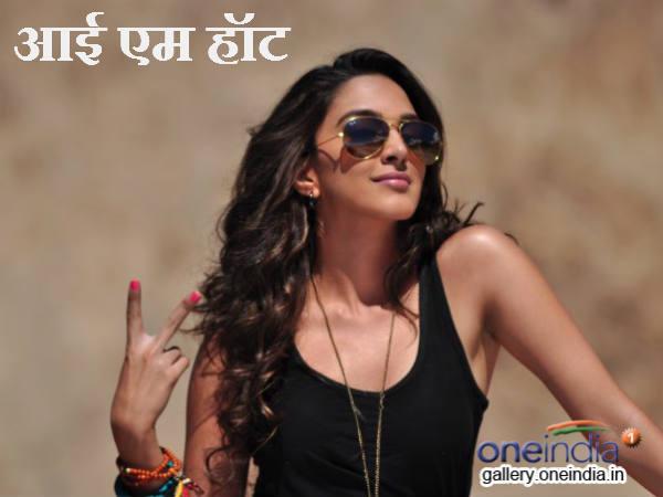 Types Girls Travel Mumbai Local Delhi Metro