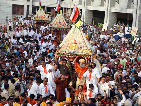 With Tight Security 138th Rathyatra Starts Ahmedabad