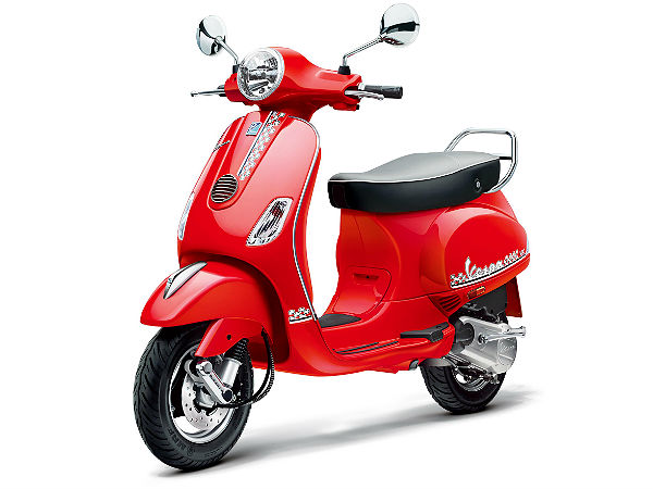 Limited Edition Vespa Esclusivo Launched India