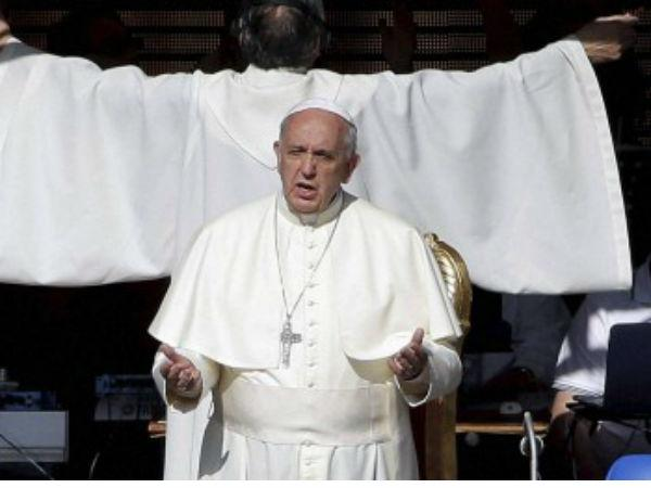 Two Percent The Catholic Clergy Are Pedophiles Says Pope