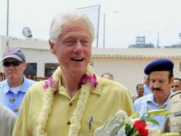 Former Us President Bill Clinton Says World Has Forget What Happened In Gujarat