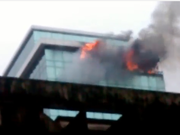 Mumbai Major Fire Breaks In Commercial Building Andheri