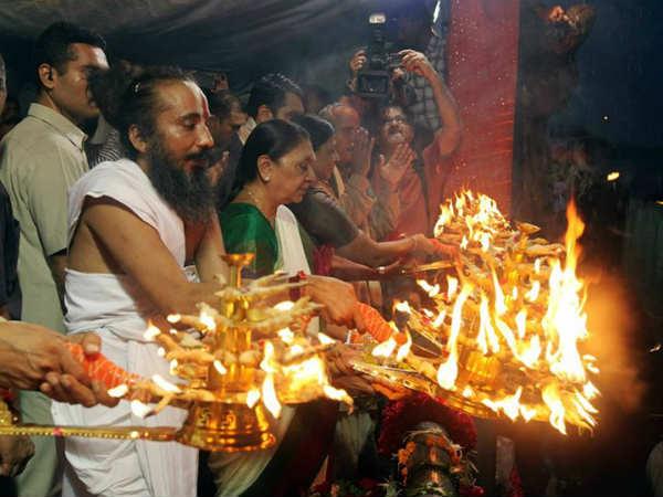 Photo Sabarmati River Aarti Anandiben Patel Appeals To Keep Sabarmati Clean Sacred
