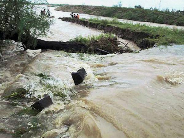 Bihar Braces Kosi Fury After Nepal Landslide Evacuation On