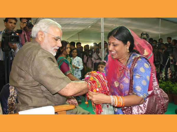 Narendra Modi Will Celebrate Raksha Bandhan At Delhi With 33 Sisters From Gujarat