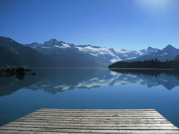 Take Look On The 10 Most Beautiful Lakes The World
